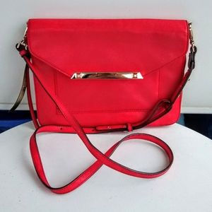 Stella & Dot Tia Convertible Crossbody in Red